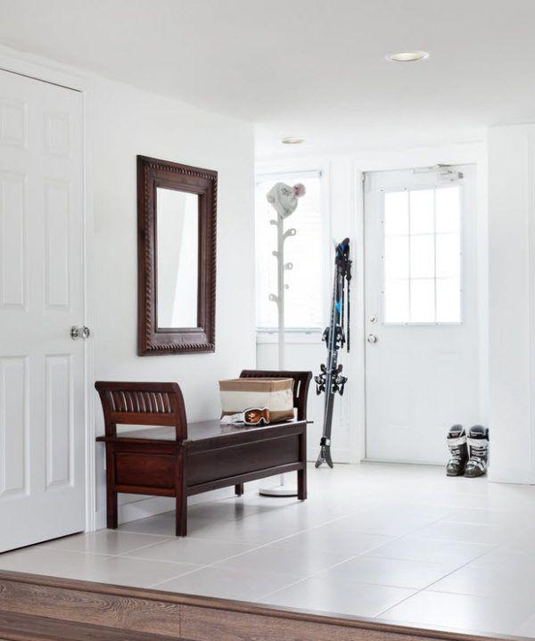 Вариант использования зеркала на пустой стене