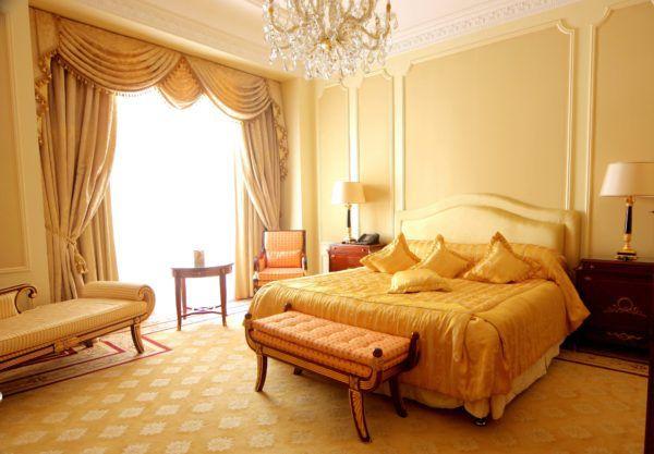 Вариант спальни с использованием песочного цвета