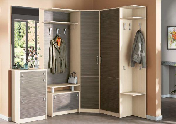 Использование угловых шкафов у двух пересекающихся стен