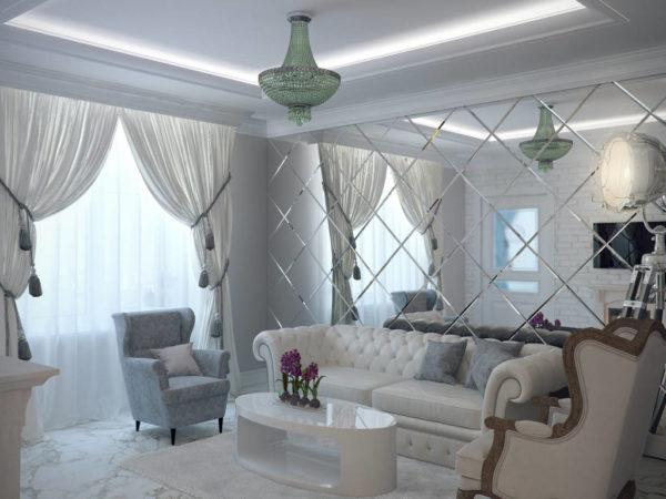 Вариант зеркального покрытия со светлым оттенком текстиля и легкими невесомыми занавесками