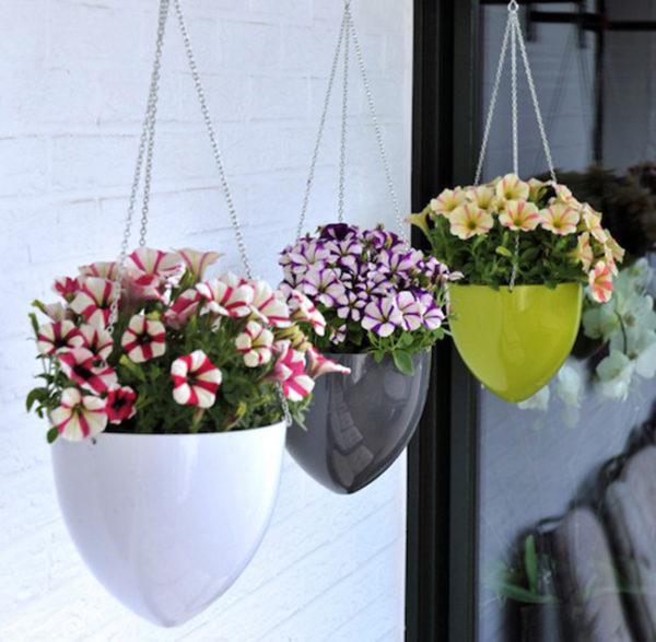 Глянцевые подвесные вазы с цветами