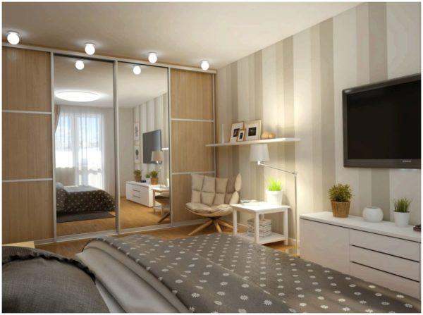 Зеркала в комнате увеличивают и расширяют пространство