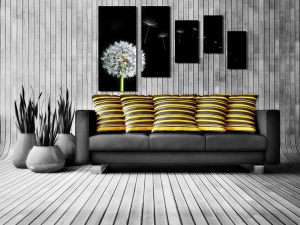 Картина с тёмными оттенками под интерьер комнаты