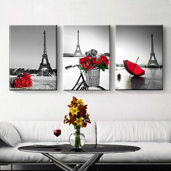 Картины отображают стилистику комнаты