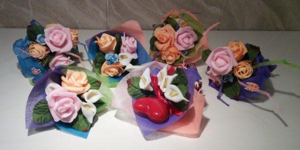 Композиции из искусственно-созданных цветков