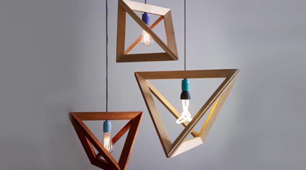 Металлическое обрамление светильников в форме геометрических фигур