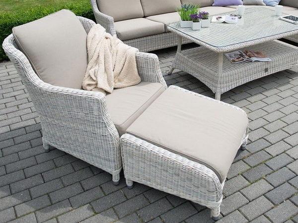 Плетеная фактура с раскладным креслом