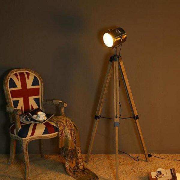 Правильно подобранный светильник Лофт обеспечит хорошее освещение и гармонично впишется в общий интерьер комнаты