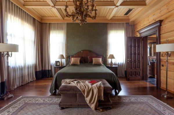 Современный вариант с деревянными потолками