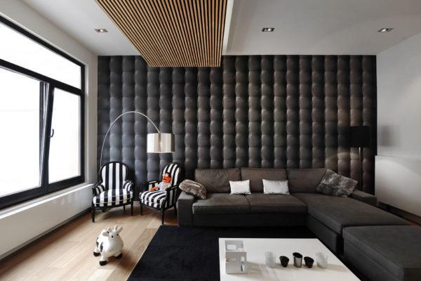 Темная ниша для комнат со множеством светлых элементов