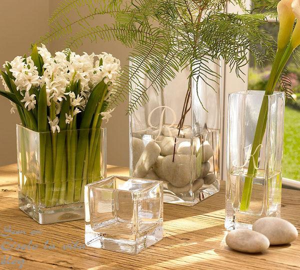 Цветы в стильных вазах