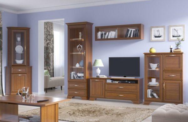 Предметы мебели выполнены в теплом каштановом оттенке
